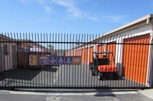 Picture 3 of Public Storage - San Jose - 475 Tully Road - FindStorageFast.com
