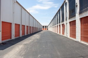 Public Storage - Phoenix - 4034 E McDowell Rd - Photo 2