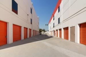Public Storage - Los Angeles - 1776 Blake Ave - Photo 2