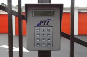 Public Storage - Oakland - 1327 International Blvd - Photo 5