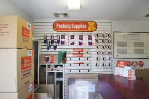 Public Storage - Ventura - 6435 Ventura Blvd - Photo 3