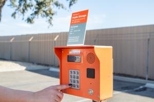 Public Storage - North Hollywood - 7500 Whitsett Ave - Photo 5