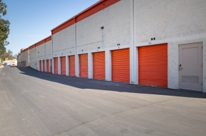 Public Storage - North Hollywood - 7500 Whitsett Ave - Photo 2