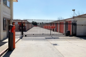 Image of Public Storage - Tracy - 400 W Larch Road Facility on 400 W Larch Road  in Tracy, CA - View 4