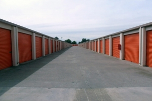Image of Public Storage - Tracy - 400 W Larch Road Facility on 400 W Larch Road  in Tracy, CA - View 2