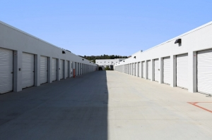 Public Storage - Valencia - 28111 Kelly Johnson Pkwy - Photo 2