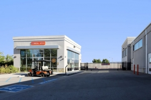 Public Storage - Valencia - 28111 Kelly Johnson Pkwy
