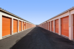 Public Storage - Long Beach - 4140 Cherry Ave - Photo 2