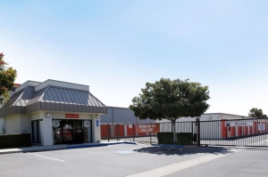 Public Storage - Ventura - 4400 McGrath St