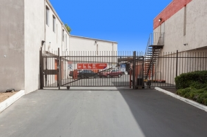 Picture of Public Storage - Oakland - 680 Hegenberger Road