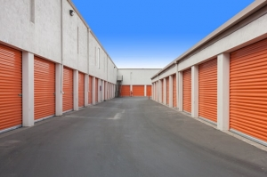 Public Storage - Oakland - 680 Hegenberger Road - Photo 2
