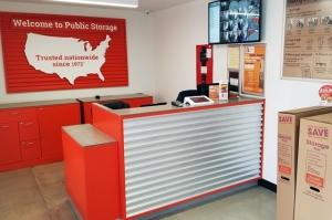 Image of Public Storage - Calabasas - 23811 Ventura Blvd Facility on 23811 Ventura Blvd  in Calabasas, CA - View 3