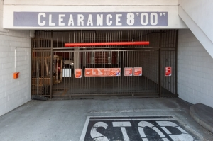 Public Storage - Los Angeles - 6840 Santa Monica Blvd - Photo 4