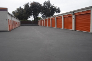 Image of Public Storage - Mountain View - 1040 Terra Bella Ave Facility on 1040 Terra Bella Ave  in Mountain View, CA - View 2