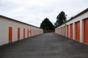 Image of Public Storage - Burien - 17800 Des Moines Memorial Dr Facility on 17800 Des Moines Memorial Dr  in Burien, WA - View 2