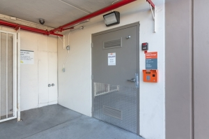 Image of Public Storage - Pasadena - 511 S Fair Oaks Ave Facility on 511 S Fair Oaks Ave  in Pasadena, CA - View 4