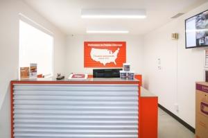 Public Storage - Los Angeles - 5741 W Jefferson Blvd - Photo 3