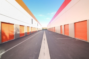 Image of Public Storage - Los Angeles - 5741 W Jefferson Blvd Facility on 5741 W Jefferson Blvd  in Los Angeles, CA - View 2