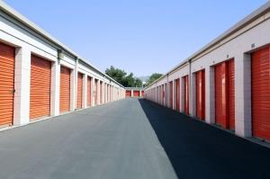 Image of Public Storage - Sun Valley - 9036 Glenoaks Blvd Facility on 9036 Glenoaks Blvd  in Sun Valley, CA - View 2