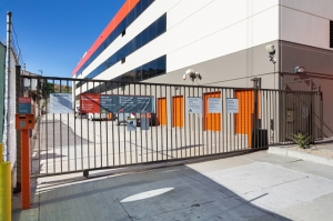 Image of Public Storage - Los Angeles - 6701 S Sepulveda Blvd Facility on 6701 S Sepulveda Blvd  in Los Angeles, CA - View 4