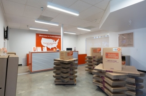 Public Storage - Costa Mesa - 1604 Newport Blvd - Photo 3
