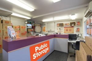 Image of Public Storage - Everett - 9011 Evergreen Way Facility on 9011 Evergreen Way  in Everett, WA - View 3