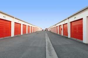 Public Storage - Santa Ana - 400 S Grand Ave - Photo 2
