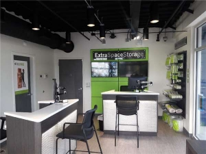 Image of Extra Space Storage - St Petersburg - 7th Ave N Facility on 1650 7th Avenue North  in St. Petersburg, FL - View 4
