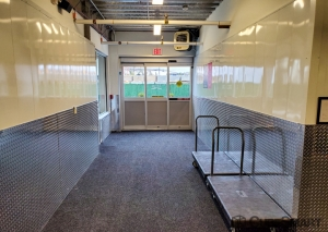 CubeSmart Self Storage - NY Plainview Fairchild Avenue - Photo 4