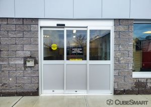 CubeSmart Self Storage - NY Plainview Fairchild Avenue - Photo 6