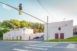 Image of Castle Mini Storage Facility on 12040 Parklawn Drive  in Rockville, MD - View 2