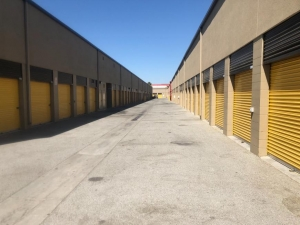 Life Storage - San Jose - 1855 Las Plumas Avenue - Photo 3