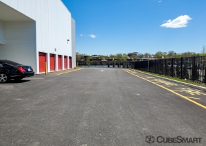 CubeSmart Self Storage - NJ Hackensack S River Street - Photo 10