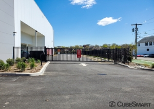CubeSmart Self Storage - NJ Hackensack S River Street - Photo 11