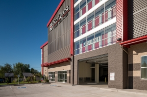 Image of StorQuest - Bothell / Everett Facility on 21008 Bothell Everett Highway  in Bothell, WA - View 4