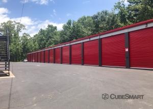 Image of CubeSmart Self Storage - SC Charleston Marginal Road Facility on 3180 Marginal Road  in Charleston, SC - View 4