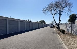 Storage King USA - 041 - Phoenix, AZ - Indian School - Photo 3