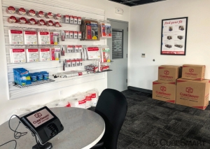 CubeSmart Self Storage - WA Lynwood Highway 99 - Photo 3