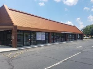 Image of Winston Salem Lockbox, LLC Facility on 401 Jonestown Road  in Winston Salem, NC - View 2