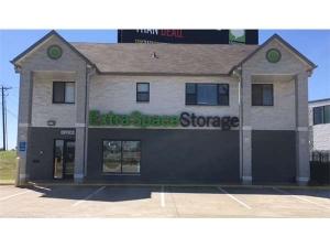 Image of Extra Space Storage - Grand Prairie - N Hwy 360 Facility at 2255 North Highway 360  Grand Prairie, TX