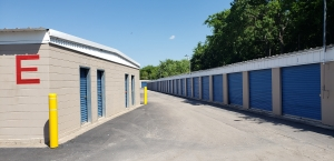 Image of A Mini Storage of Texas Facility on 2381 East Highway 71  in Del Valle, TX - View 3