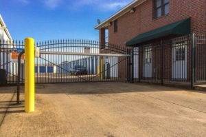 Image of Smart Space Self Storage Facility on 6105 Apple Tree Drive  in Memphis, TN - View 2