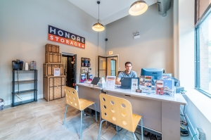 Image of Honore Storage - Andersonville Facility on 5147 North Clark Street  in Chicago, IL - View 3