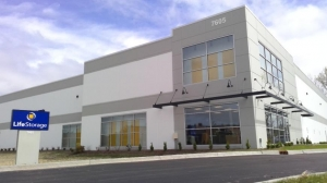 Image of Life Storage - Willowbrook - 7605 South Quincy Street Facility at 7605 South Quincy Street  Willowbrook, IL