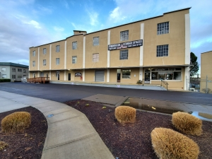 Image of Downtown Storage & Warehouse Facility on 889 Liberty St Ne  in Salem, OR - View 2