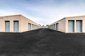 Axiom at Bell Storage - Photo 3