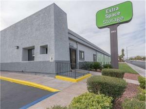 Extra Space Storage - Las Vegas - W Oakey Blvd - Photo 1