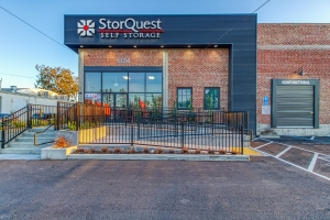 StorQuest - Modesto / Coldwell - Photo 2