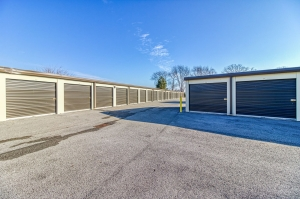 Storage Sense - Bowling Green - Searcy Way - Photo 4
