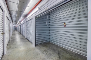 Storage Sense - Bowling Green - Searcy Way - Photo 9